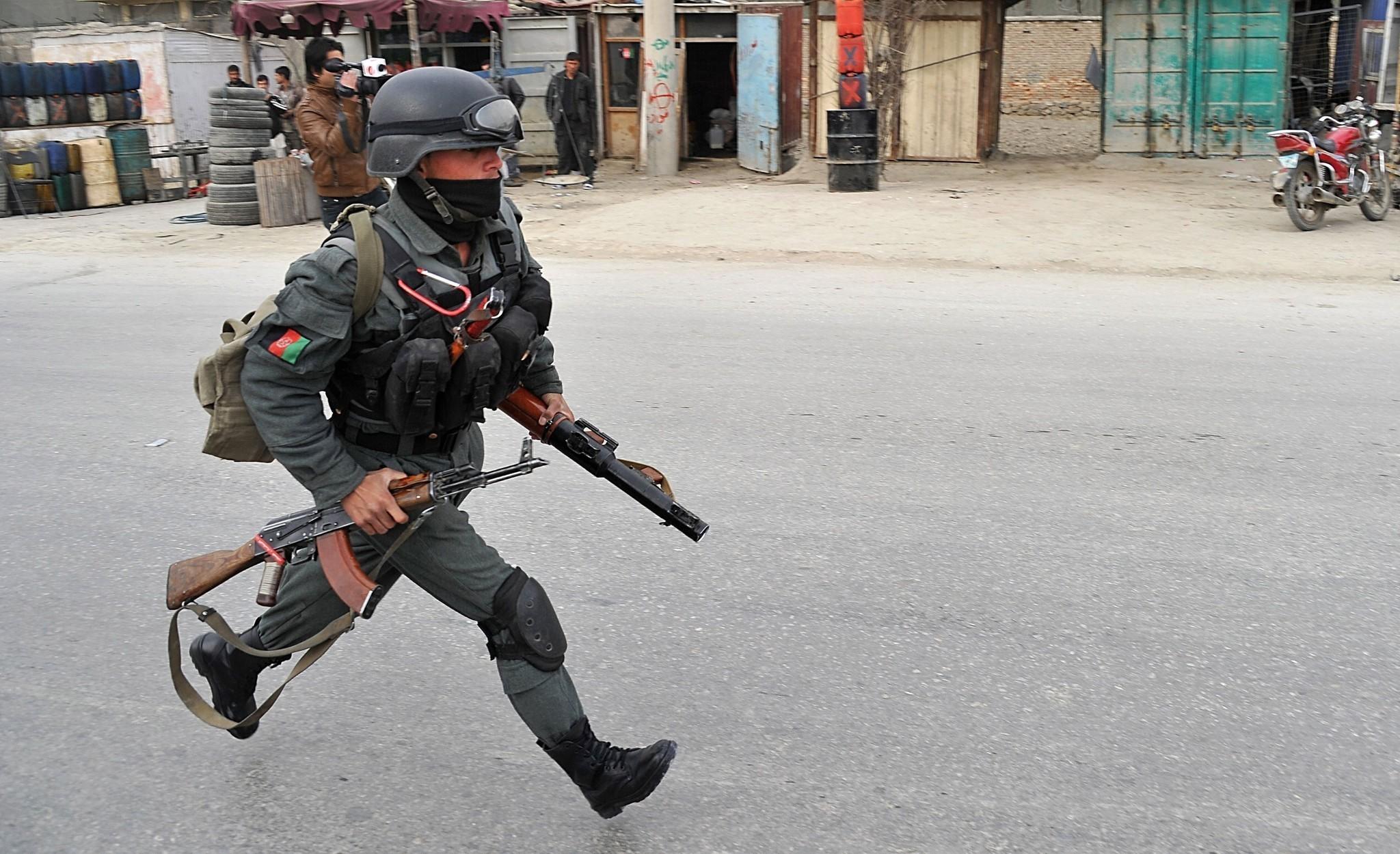 http://www.trbimg.com/img-52bda795/turbine/la-fg-wn-afghanistan-three-nato-troops-dead-ka-001/2048/2048x1250