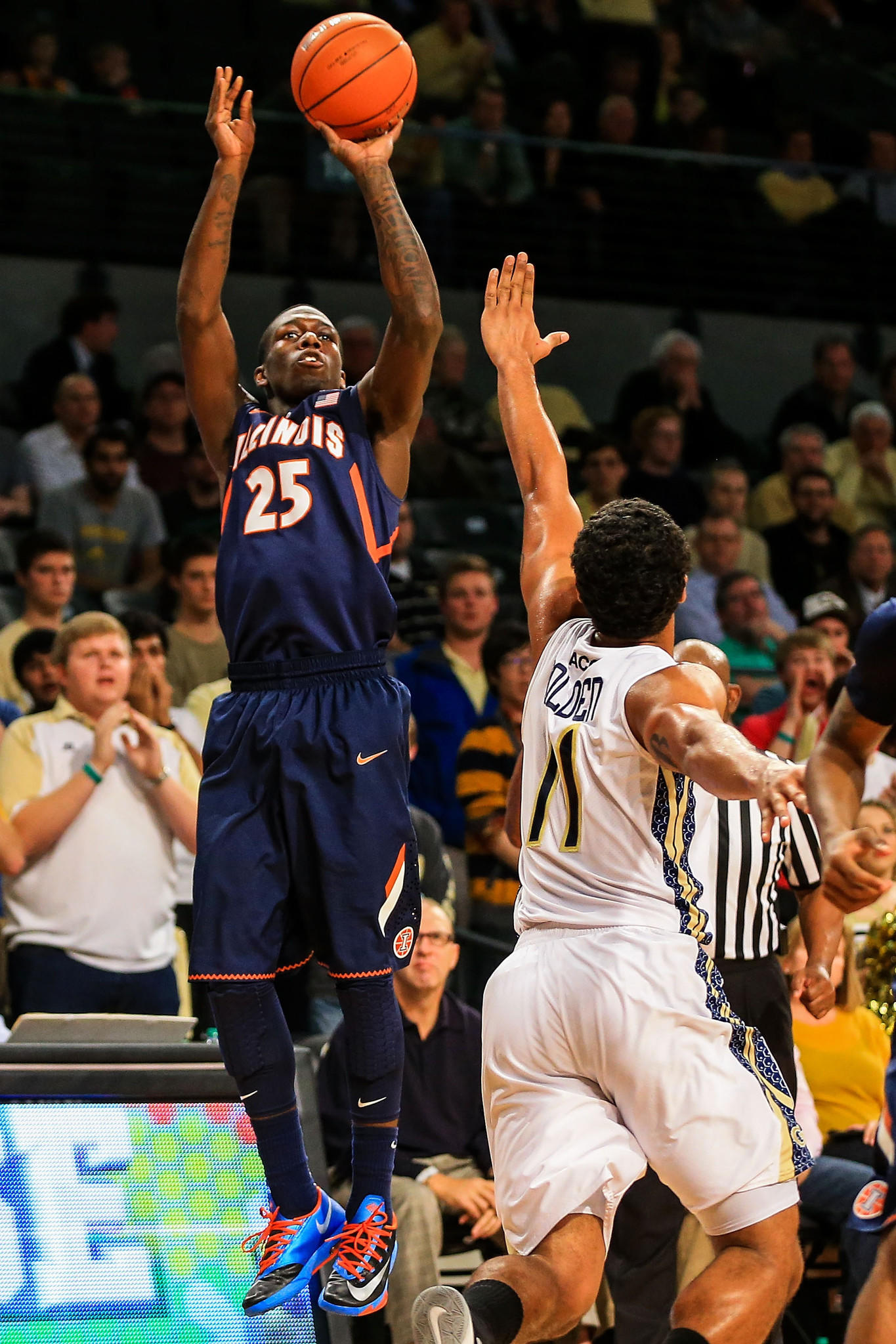 Illini guard Kendrick Nunn shoots the ball in the first half against Georgia Tech.