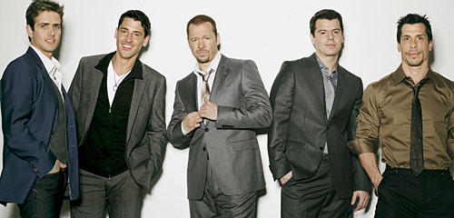 Joey McIntyre, Jonathan Knight, Donnie Wahlberg, Jordan Knight, Danny Wood.