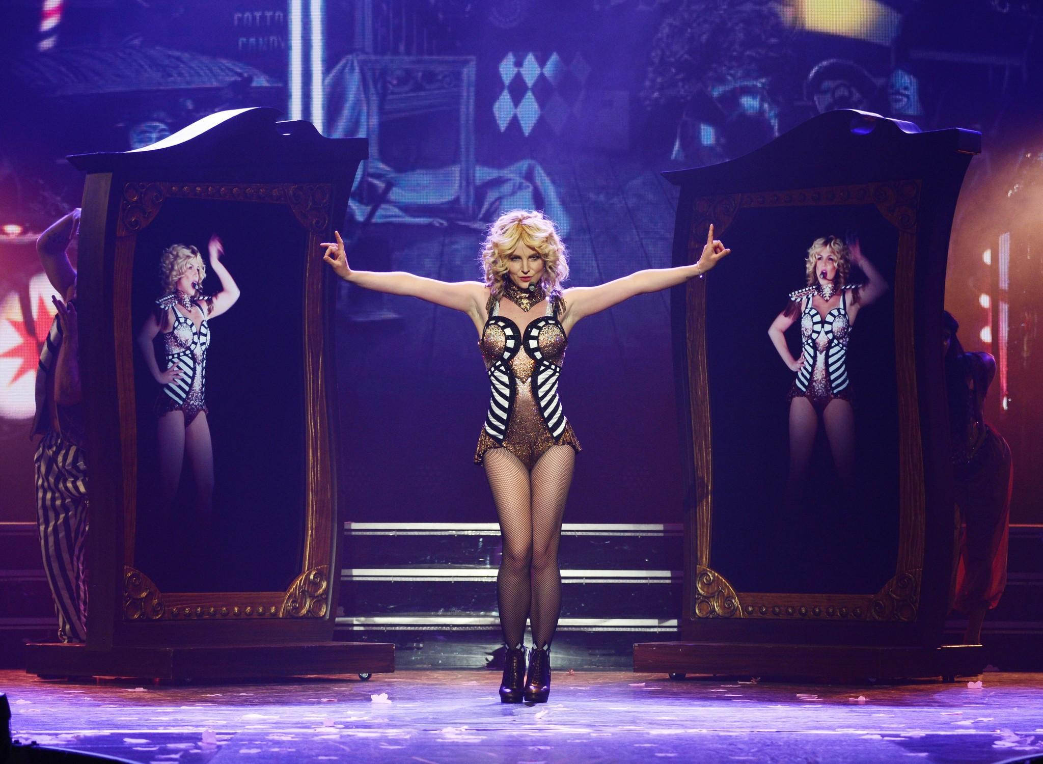 Review: Britney Spears offers just a 'Piece of Me' in Las ... Britney Spears Vegas