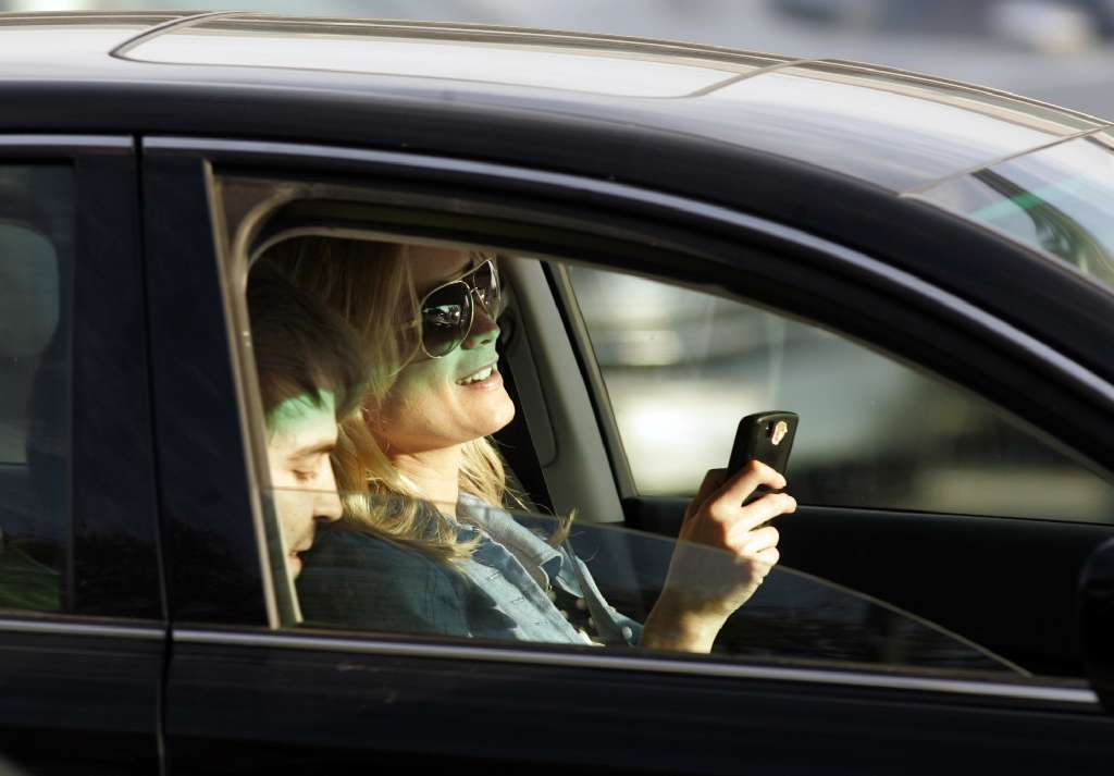cell phone regulation while driving