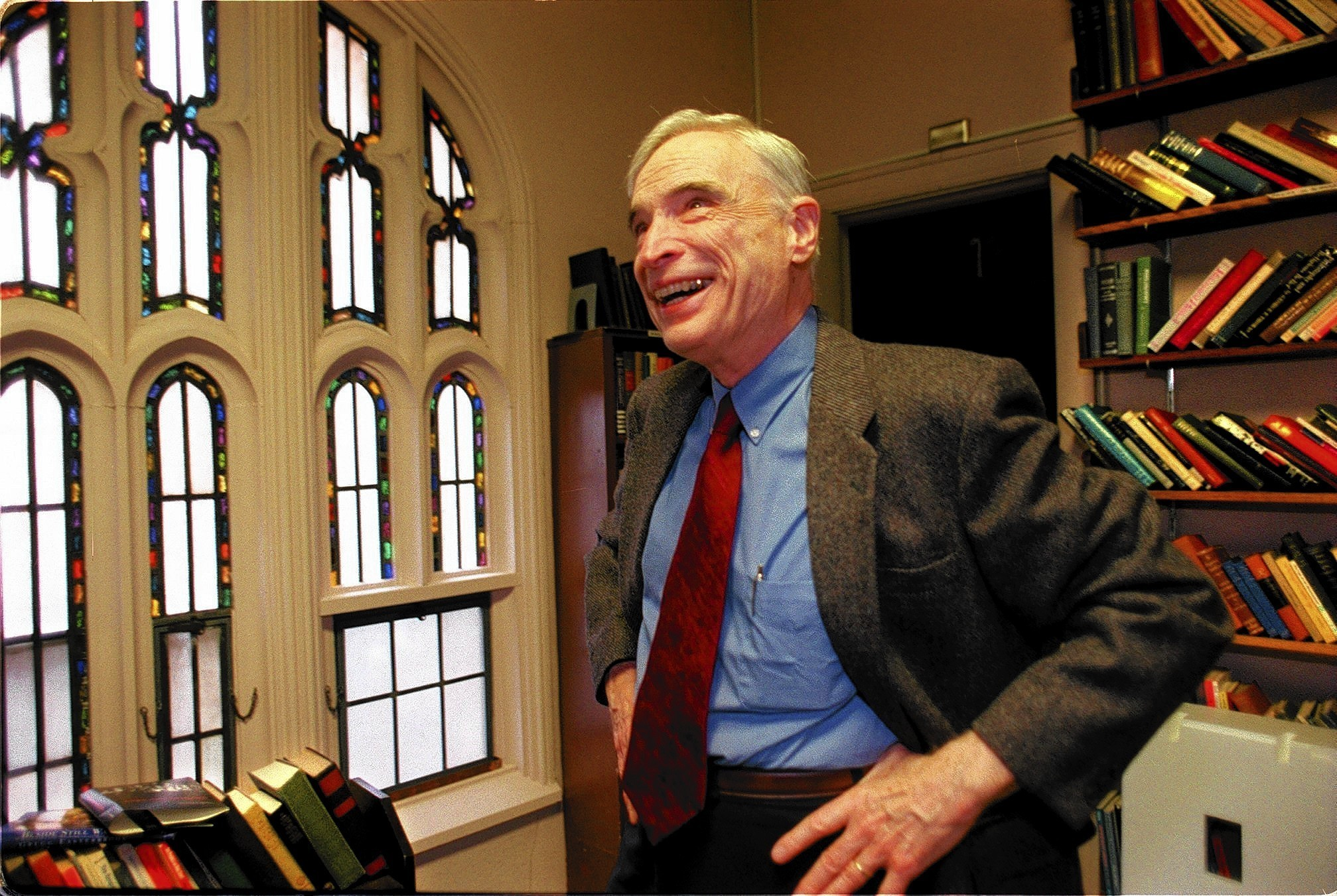 Ian Barbour in his office in the chapel at Carleton College in 1999, when he won the Templeton Prize for Progress in Religion. In the 1950s, when Barbour began to promote discourse between the two fields, scientists had little tolerance for religion, and theologians had little interest in...