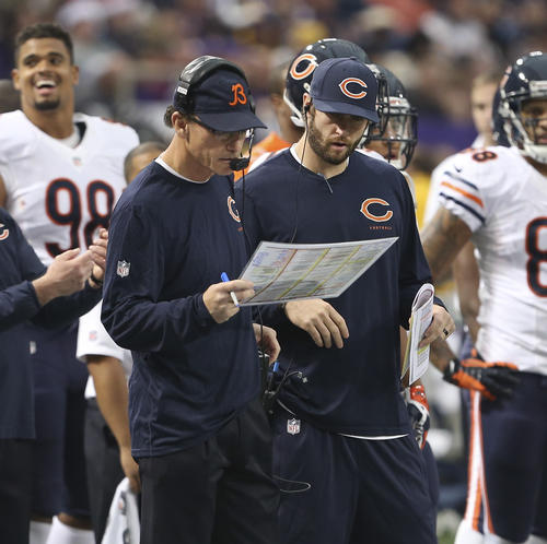 Marc Trestman and Jay Cutler during the first quarter of their 23-20 loss to the Minnesota Vikings.