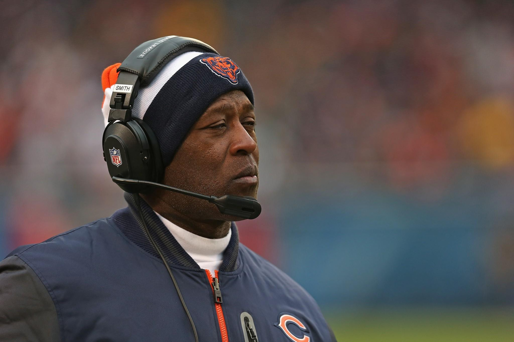 Former Chicago Bears coach Lovie Smith is returning to Tampa Bay.