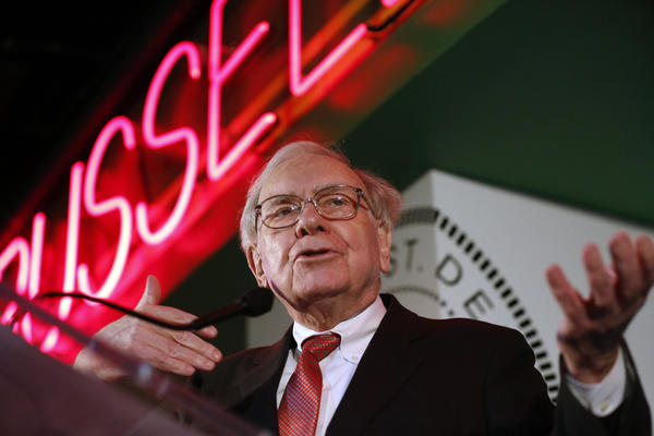 Warren Buffett at Detroit small-business event