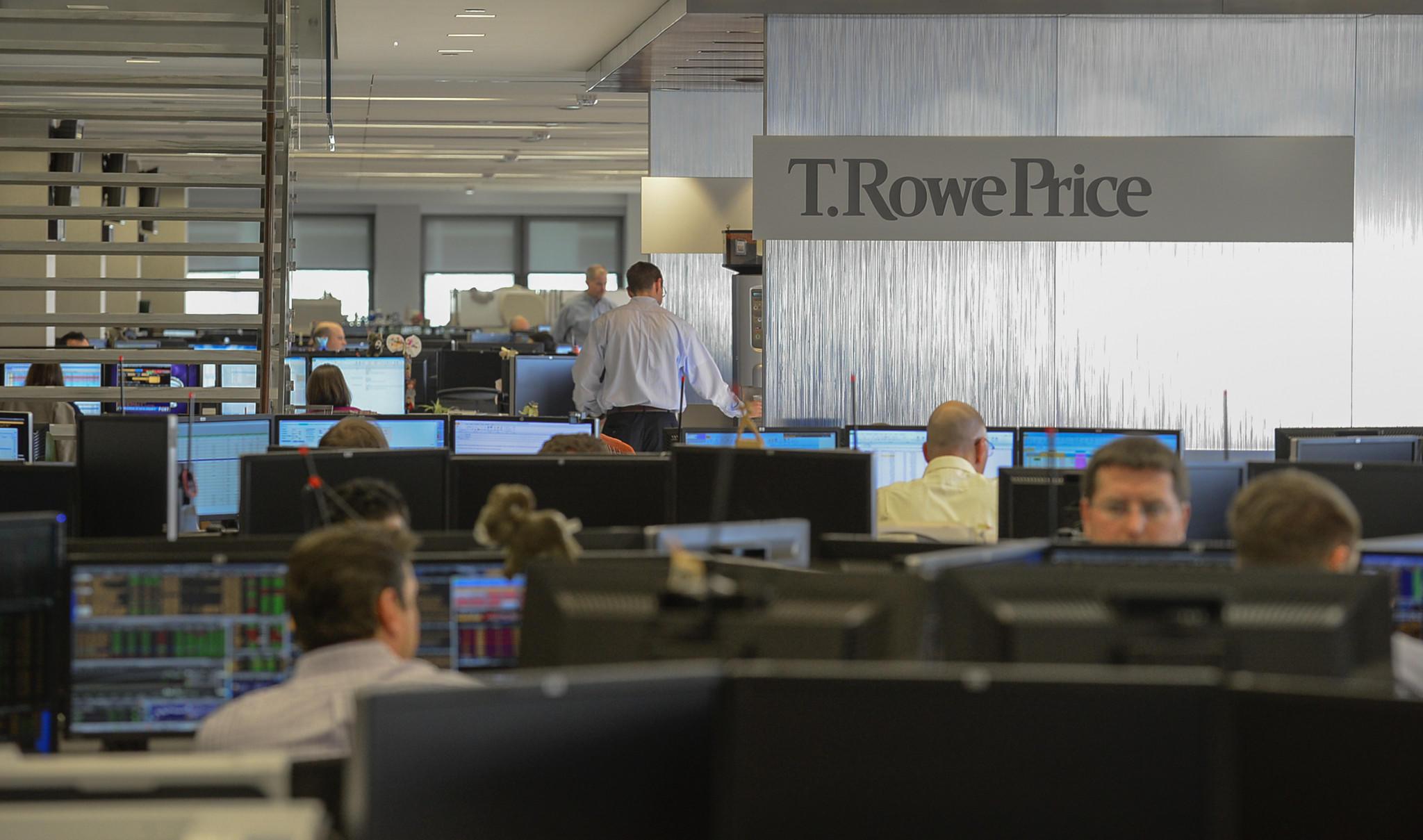t rowe price closes two popular funds to new investors tribunedigital baltimoresun. Black Bedroom Furniture Sets. Home Design Ideas