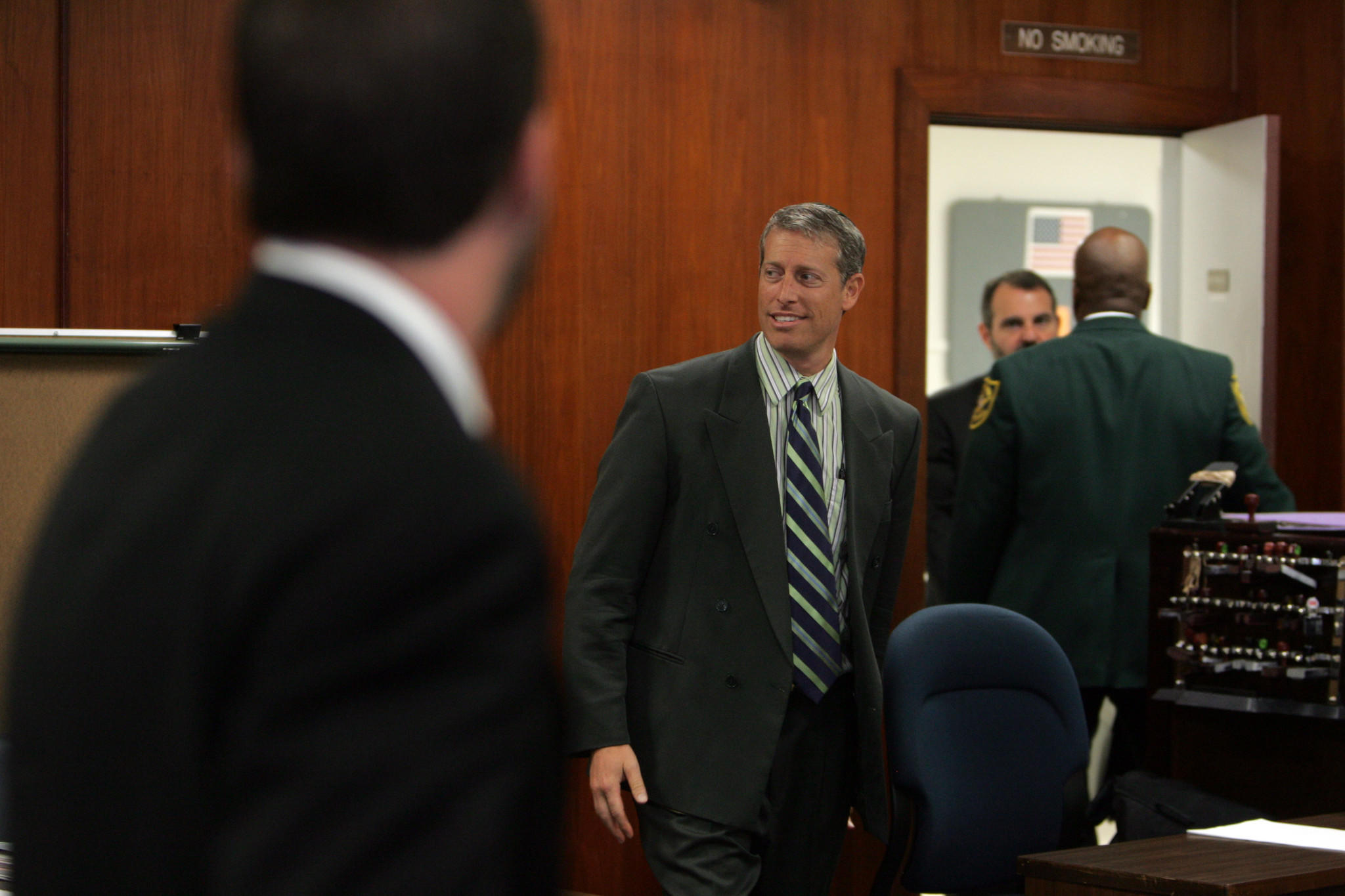 Keith Wasserstrom walks into court just before a jury reads the verdict in his case in 2007.