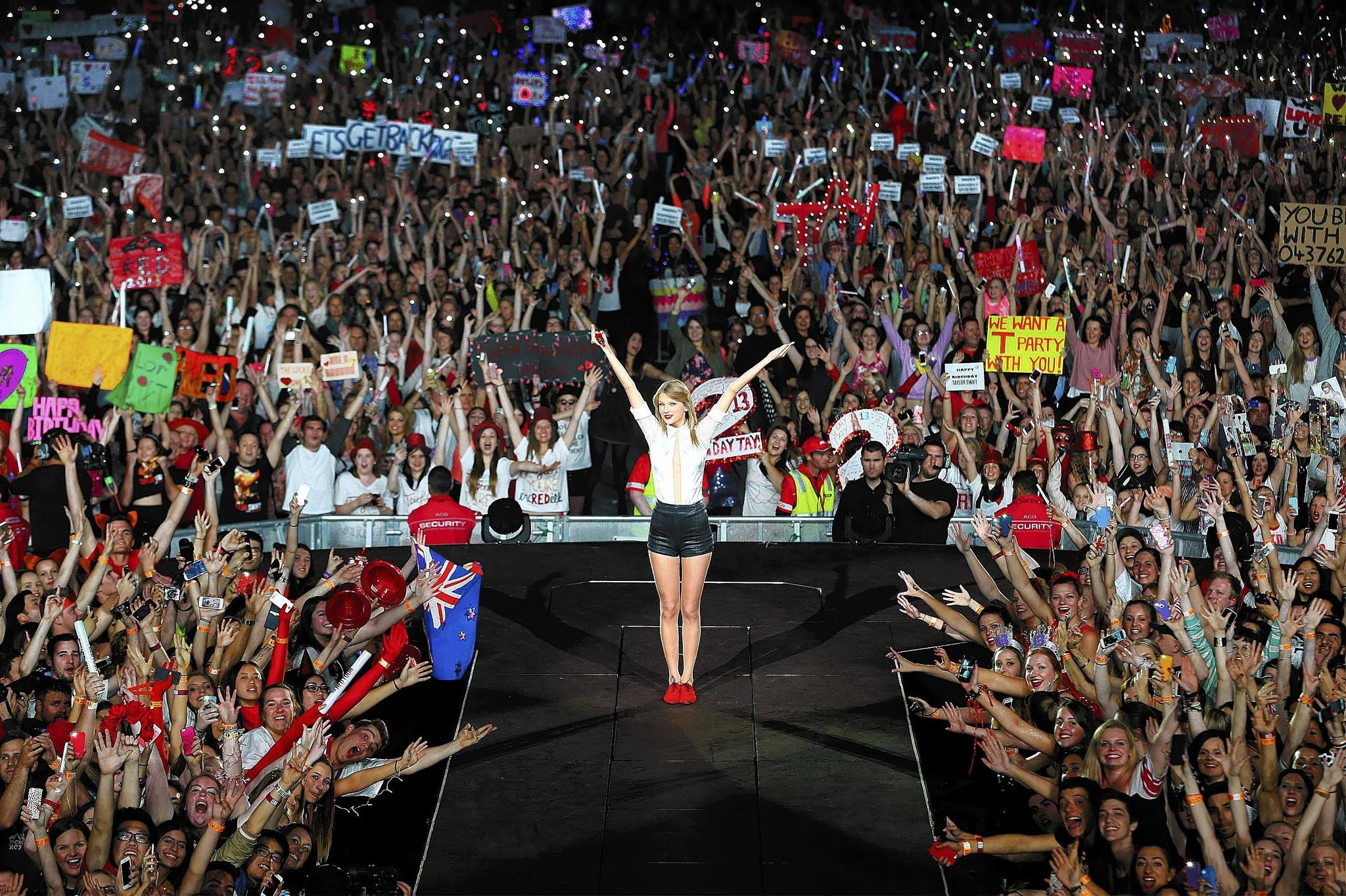 """Taylor Swift performs in Melbourne, Australia. Her song """"Sweeter Than Fiction"""" for the film """"One Chance"""" is nominated for a Golden Globe."""