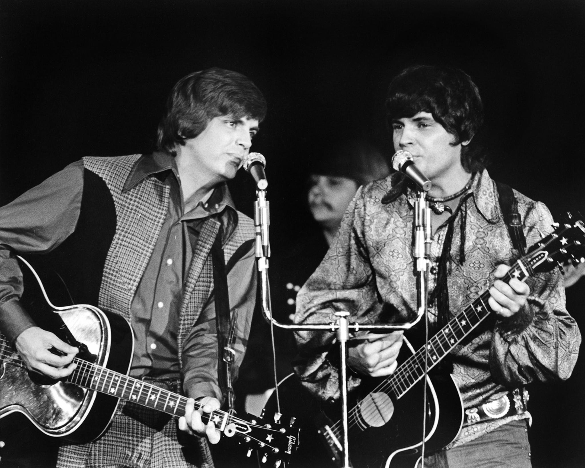 Phil Everly, left, performs with his brother Don in Las Vegas in 1970.