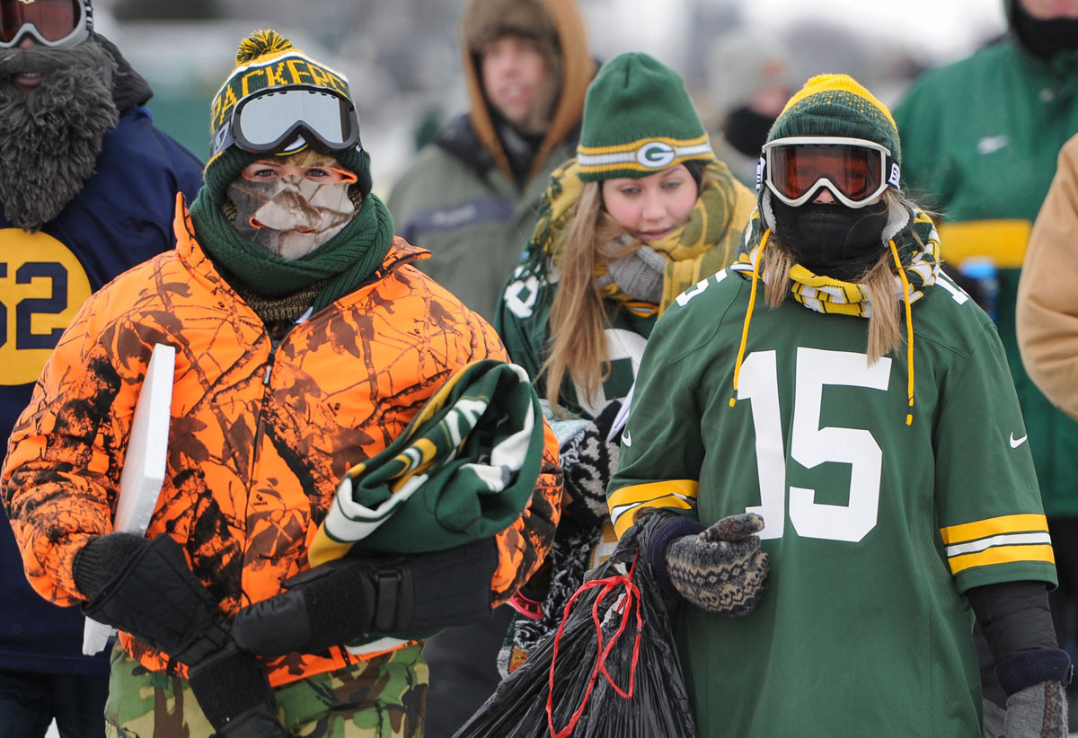 Green Bay bundles up for what could be one of the coldest NFL g…