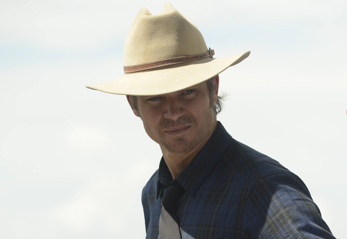 Redeye Tv Picks January 12 Justified Cougar Town Chicago Pd Week Jan True Detective