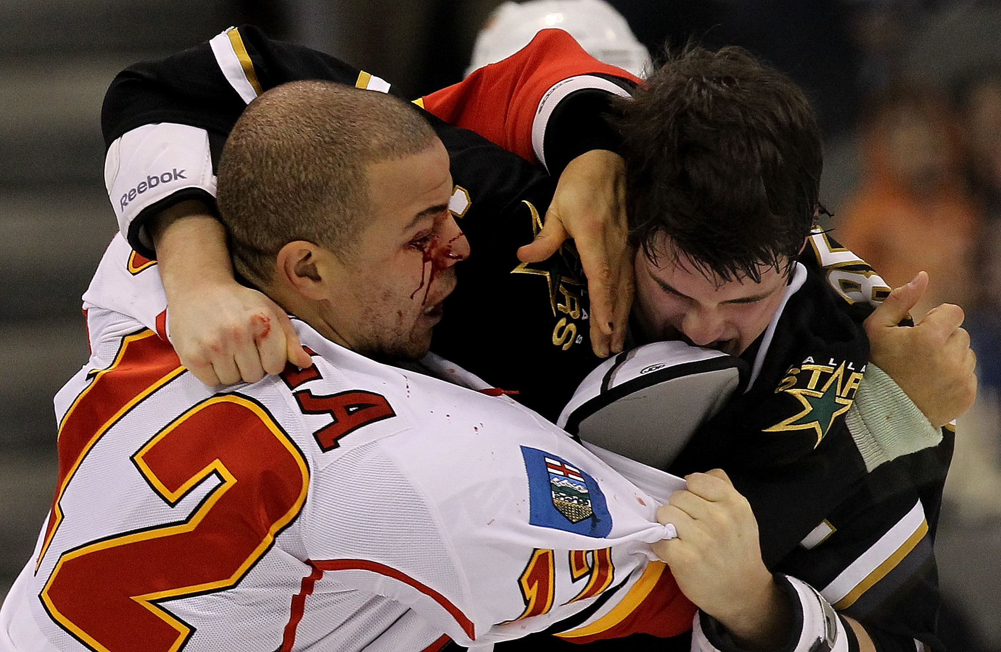 a guide to hockey fights If you're playing hockey, or just want to understand the game, you need to know your way around the rink,  coaching hockey for dummies cheat sheet.