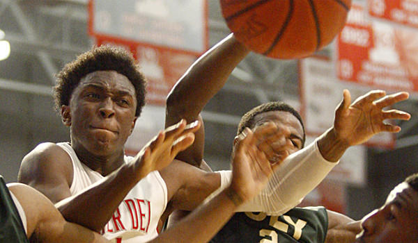 Mater Dei's Stanley Johnsonplays in a CIF Southern California Open Division semifinal game last March.