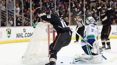 Corey Perry Lifts Ducks Past Vancouver, 4-3, In Overtime