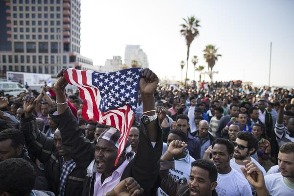 African immigrants rally in Tel Aviv