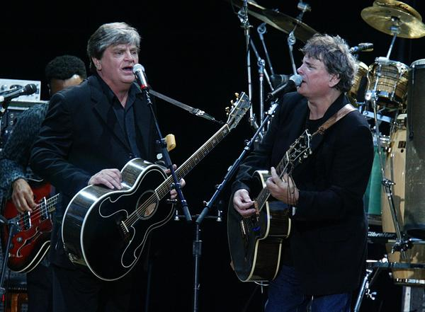 Phil Everly Of The Everly Brothers Dies At 74