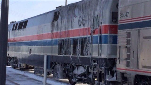 500 passengers spend night on stranded Amtrak trains