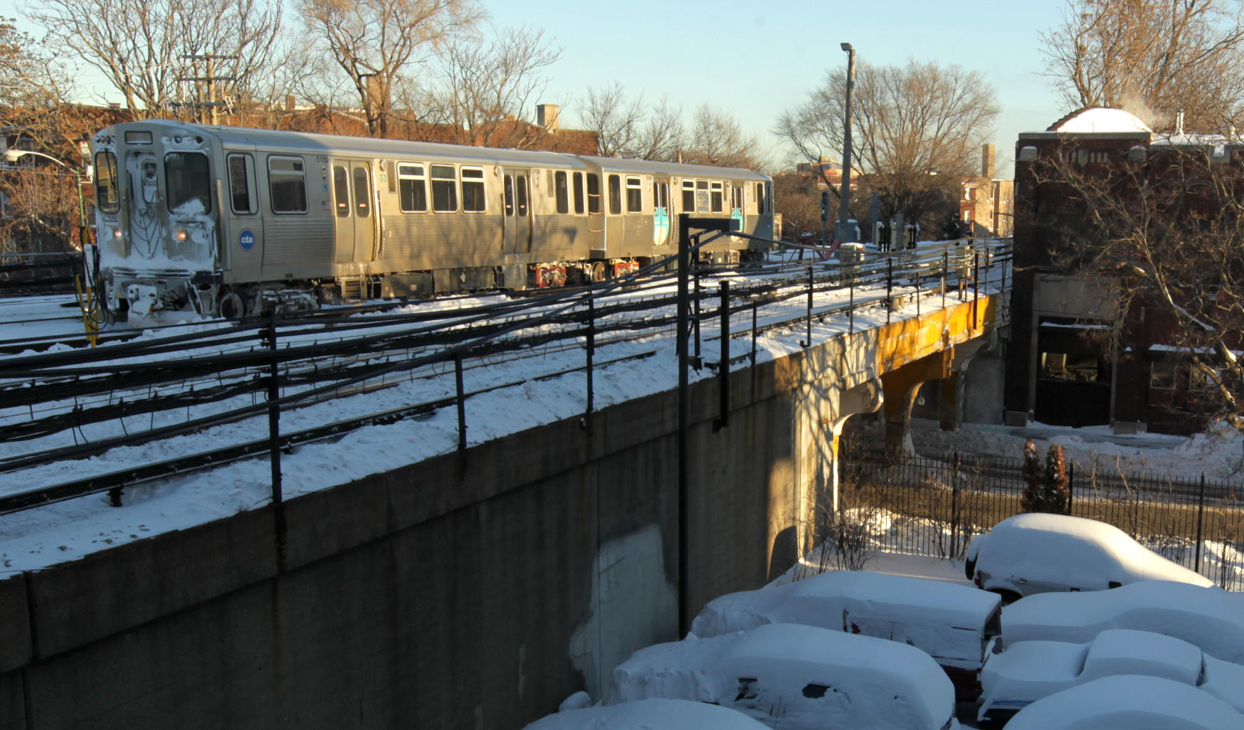 """A CTA Yellow Line train sits idle after a """"minor derailment"""" in Rogers Park, according to the CTA."""