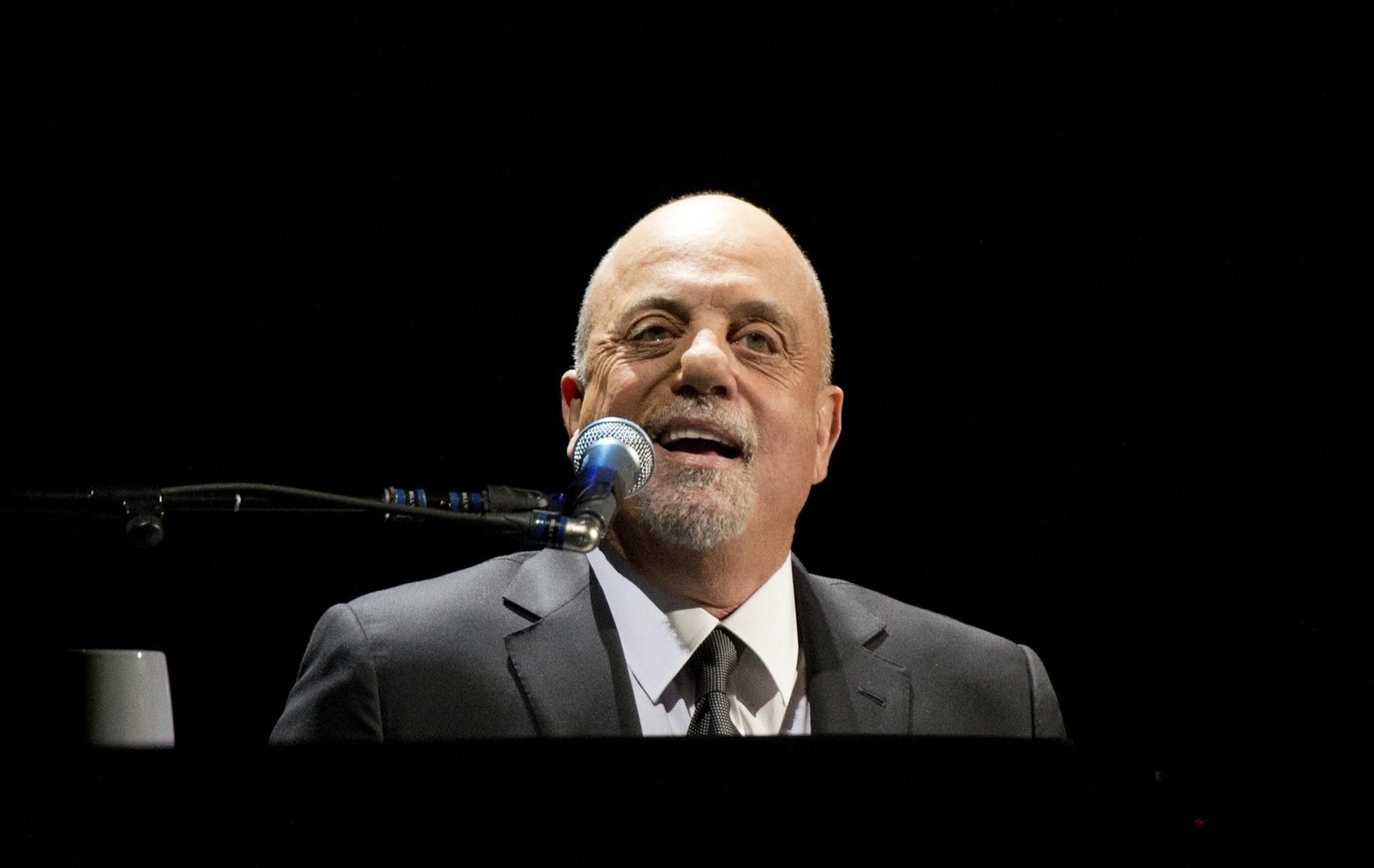 NEW YORK, NY - DECEMBER 31: Billy Joel performs at Barclays Center on December 31, 2013 in New York City. (Photo by Noam Galai/Getty Images) ** OUTS - ELSENT, FPG, TCN - OUTS * NM, PH, VA if sourced by CT, LA or MoD ** ORG XMIT: 458215341