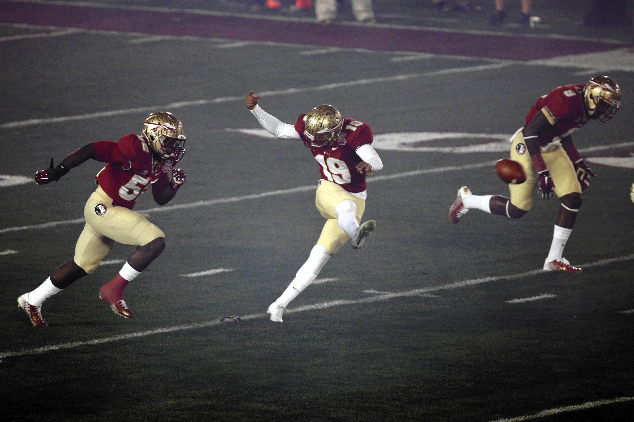 Florida State Seminoles kicker Roberto Aguayo (19) kicks the ball during the first half of the 2014 BCS National Championship game against the Auburn Tigers at the Rose Bowl.