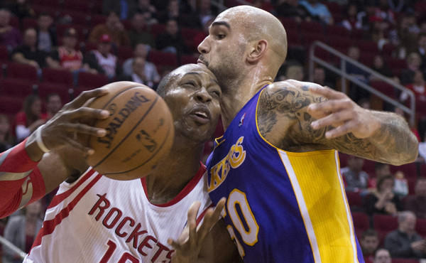 Dwight Howard, Robert Sacre