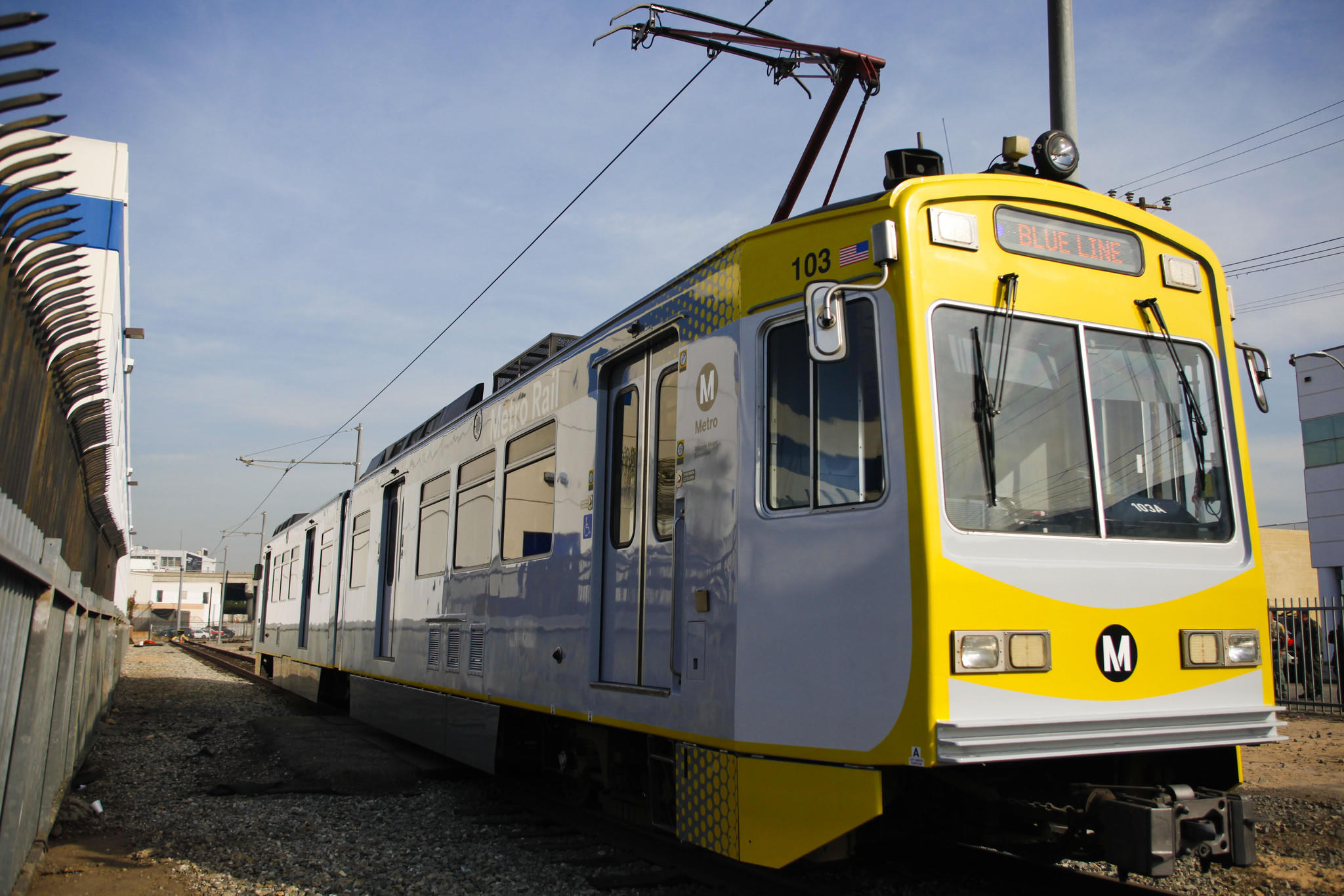 Metro will replace and refurbish scores of aging blue line for Do metro trains have bathrooms