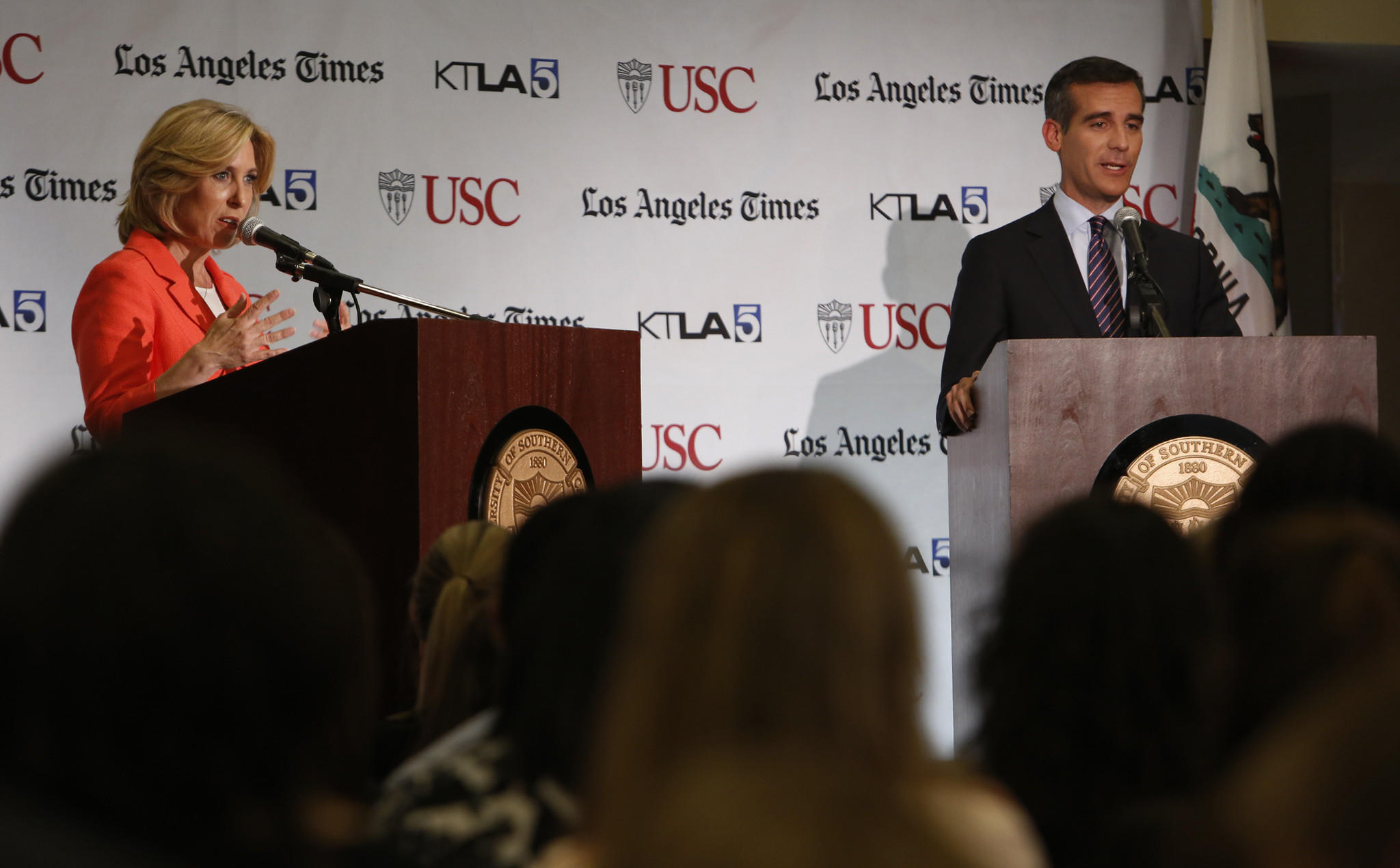 Wendy Greuel and Eric Garcetti participate in a debate at USC.