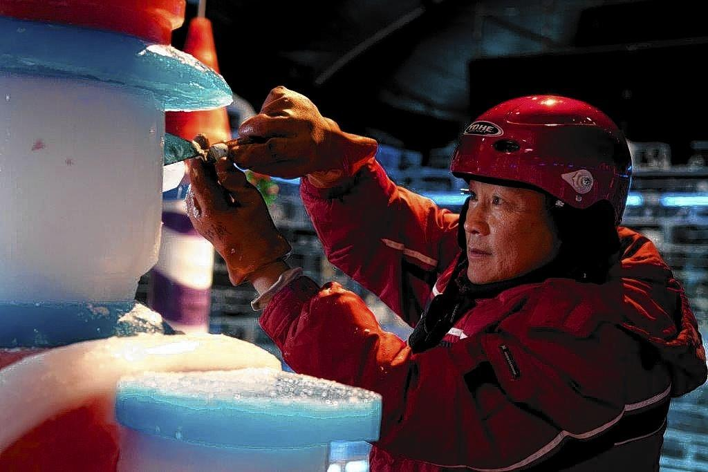 Chinese artisans who created the ice sculptures of ICE! are among the crew that tore it down this week at Gaylord Palms resort in Kissimmee.