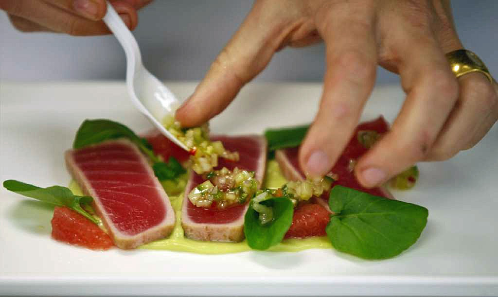 Chefs hate new law requiring them to wear gloves 39 it 39 s for Cuisine you eat with your hands