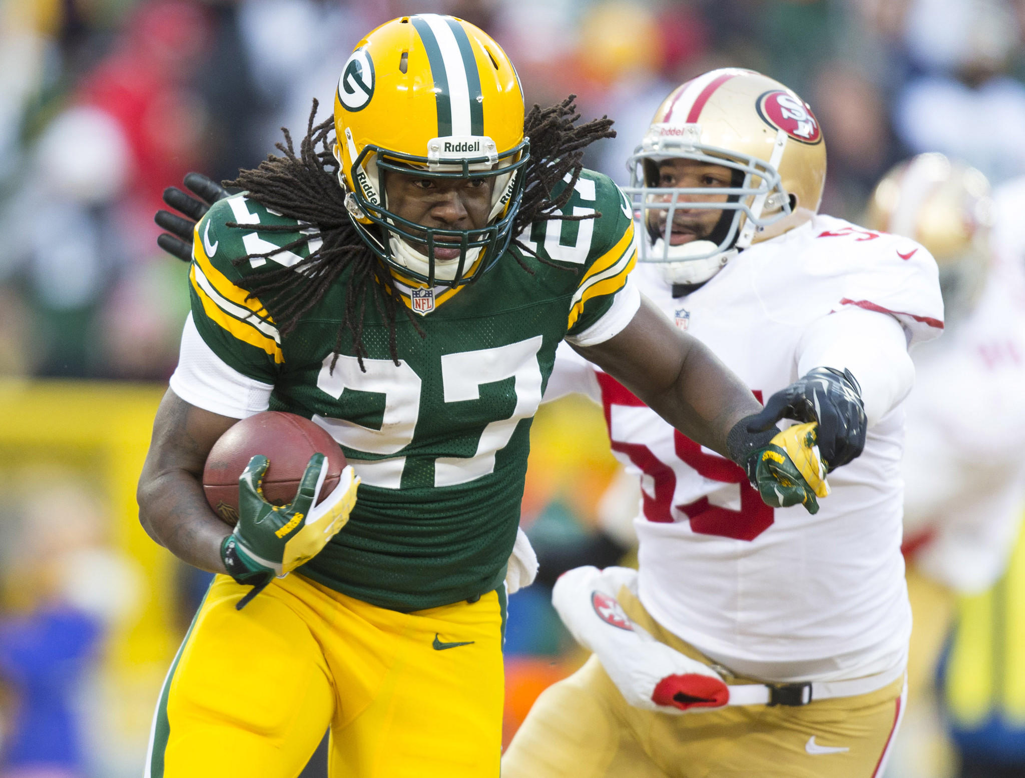 Packers running back Eddie Lacy carries the ball during the first quarter against the San Francisco 49ers during the 2013 NFC wild card playoffs.