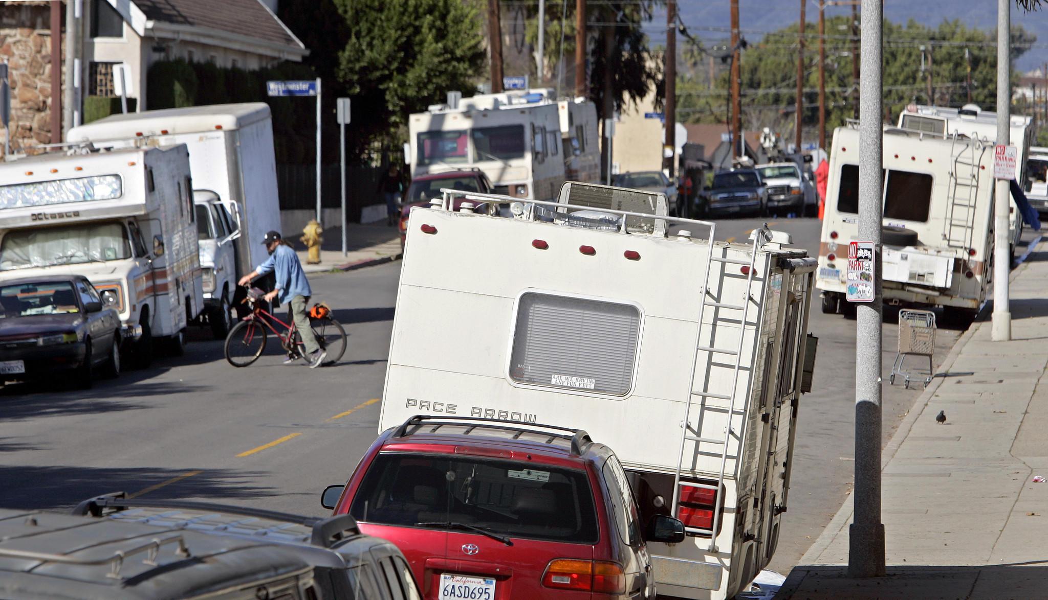 Venice group drops bid to limit overnight parking - latimes