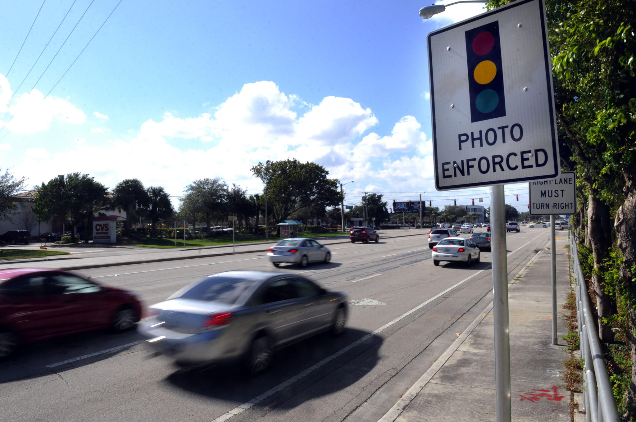 Palm Beach County commissioners in February are expected to decide whether to keep using cameras to try to catch red light runners.