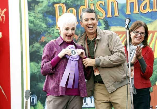 "Shirley Jones and Gregg Binkley in ""Raising Hope"" on Fox."