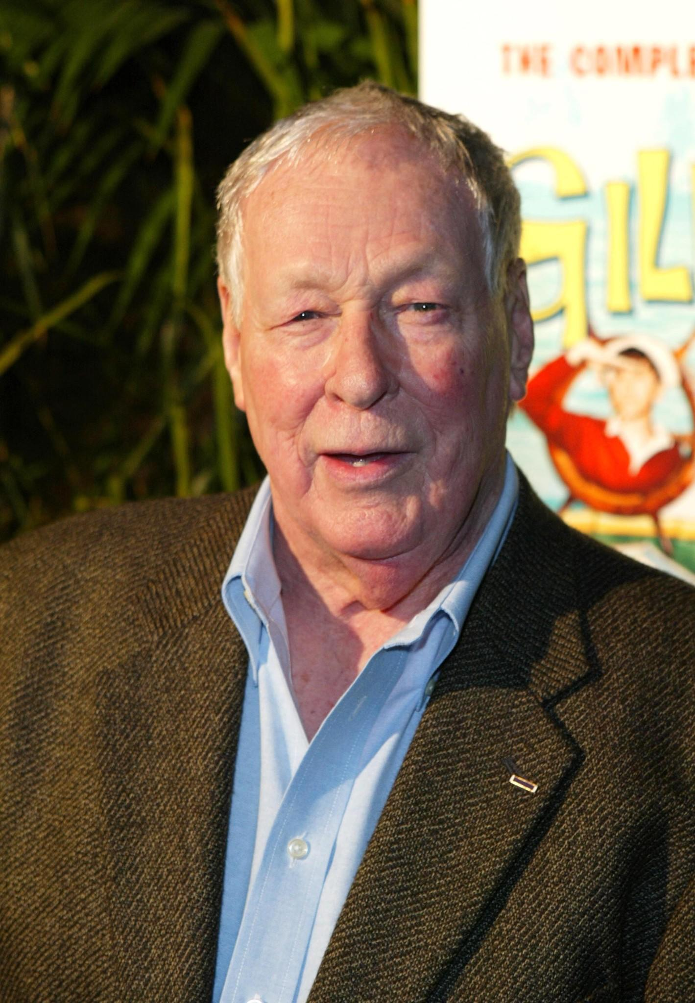 "Russell Johnson arrives at the launch party for ""Gilligan's Island: The Complete First Season"" in 2004."