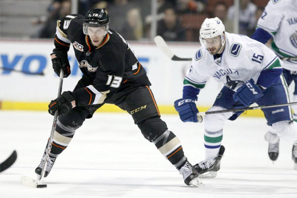 Nick Bonino had two power-play goals for the Ducks in Anaheim's 9-1 rout of Vancouver on Wednesday.