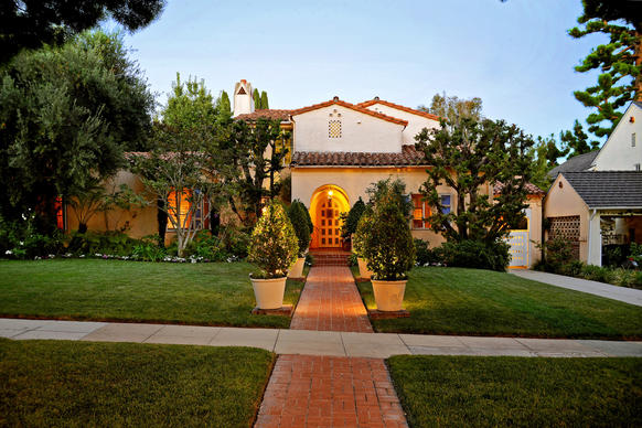 The 1929 Spanish villa sits on nearly a third of an acre.