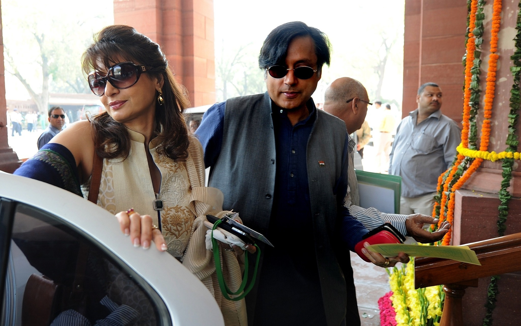 In India, death of 'Minister Twitter's' wife shocks New Delhi