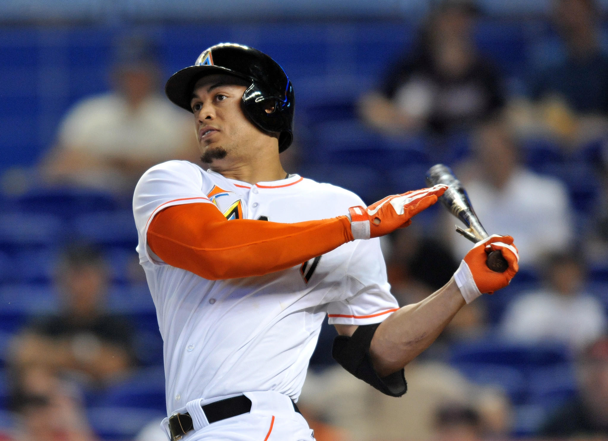 Marlins outfielder Giancarlo Stanton avoid arbitration, agreeing to a one-year, $6.5 million deal Friday.