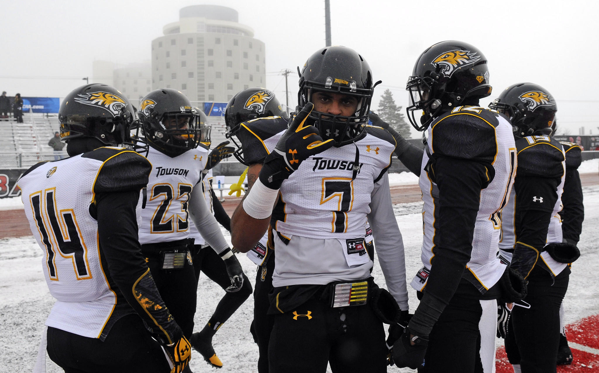Towson safety Jordan Love warms up before game against Eastern Washington.