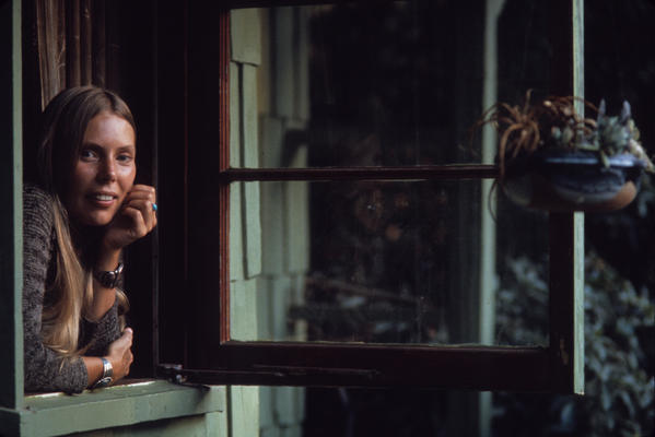 Joni Mitchell in 1970 in Laurel Canyon