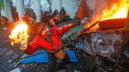 Talks founder amid clashes between Ukraine protesters, riot police