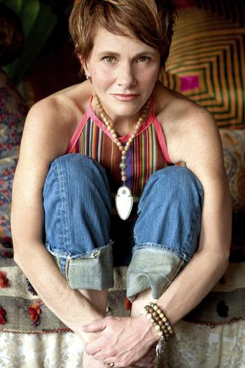 Singer Shawn Colvin is set to perform as part of the 2014 Sea Level Singer-Songwriter Festival.