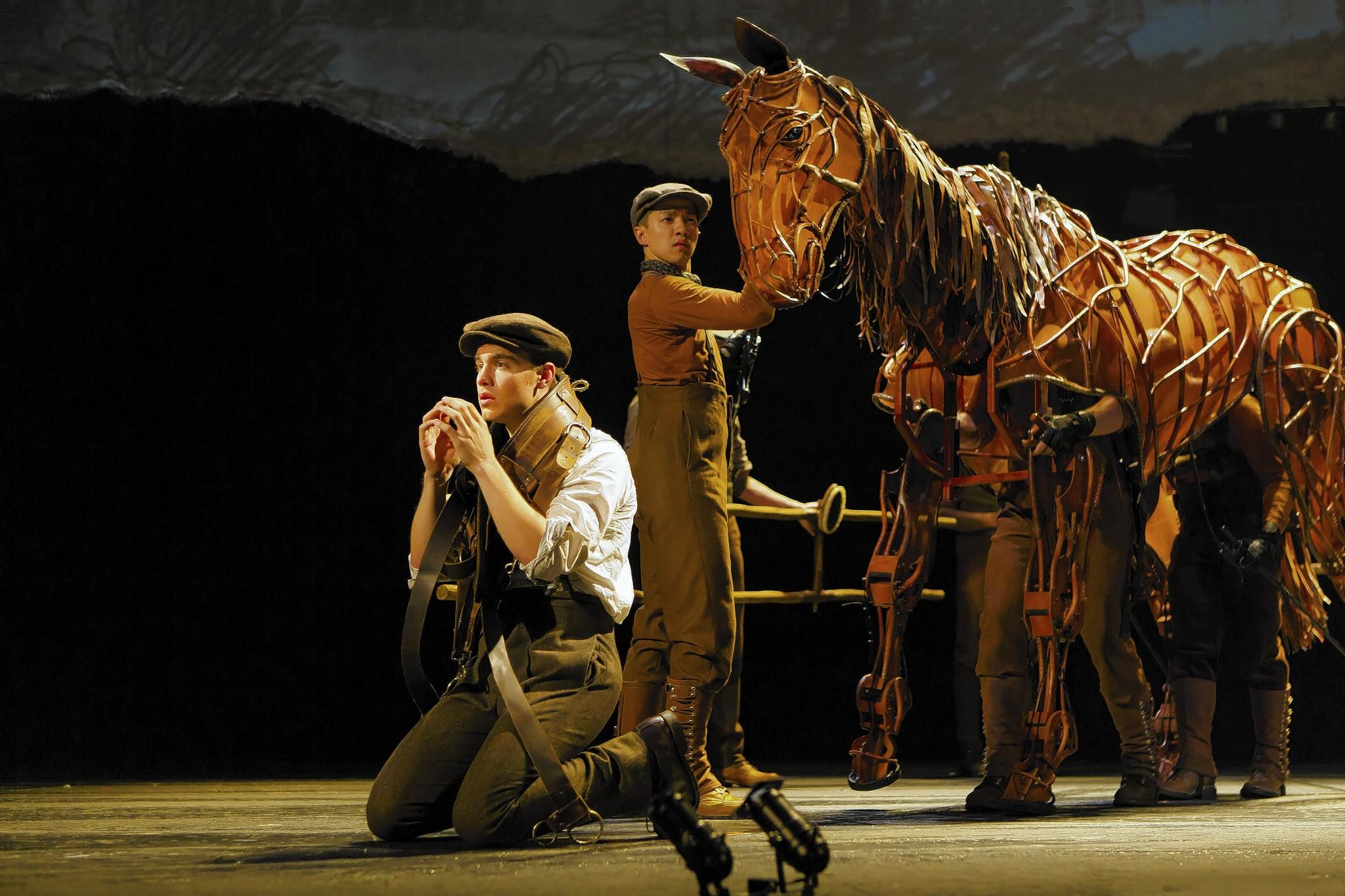 Andrew Veenstra is Albert, and puppeteers Christopher Mai, Derek Stratton and Rob Laqui manipulate the title character in 'War Horse'