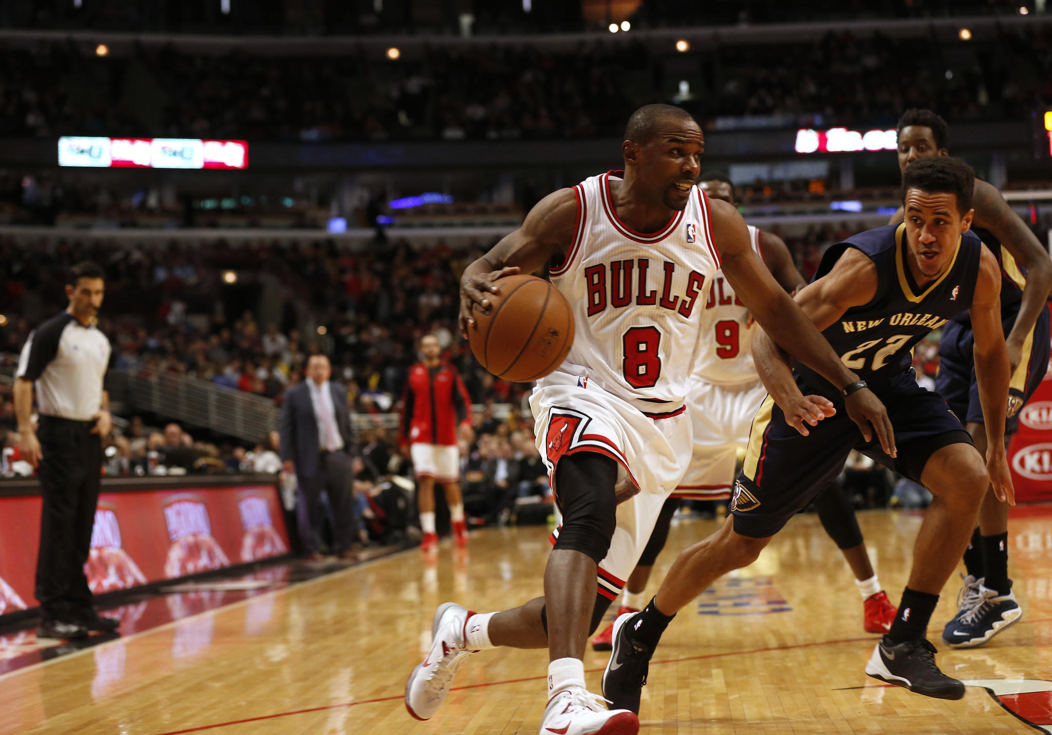 Chicago Bulls' Mike James.