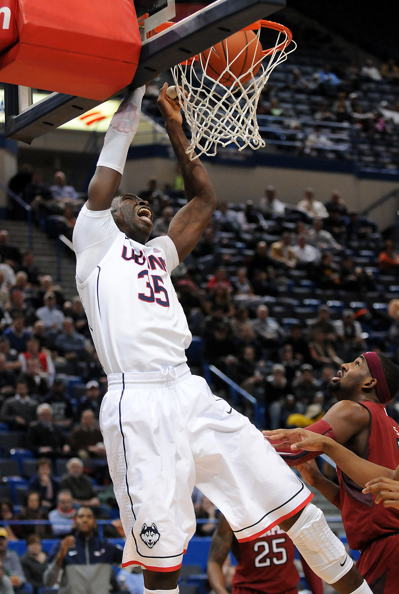UConn Men vs. Temple - Hartford Courant