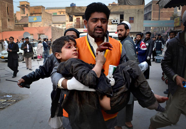Pakistan explosion kills six
