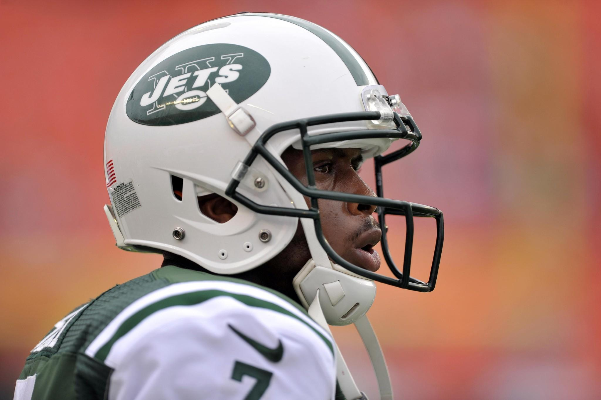 New York Jets quarterback Geno Smith has received an apology from Virgin America.