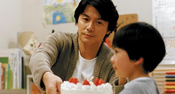 "Masaharu Fukuyama as Ryota Nonomiya (Father) and Keita Nonomiya as Keita Ninomiya (Son) in ""Like Father, Like Son."""