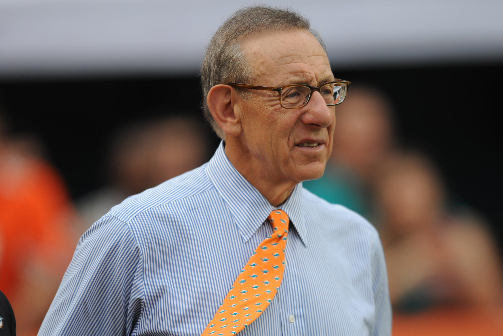 Miami Dolphins owner Stephen M. Ross looks on as the Jets defeat the Dolphins and knock them out of the playoffs.