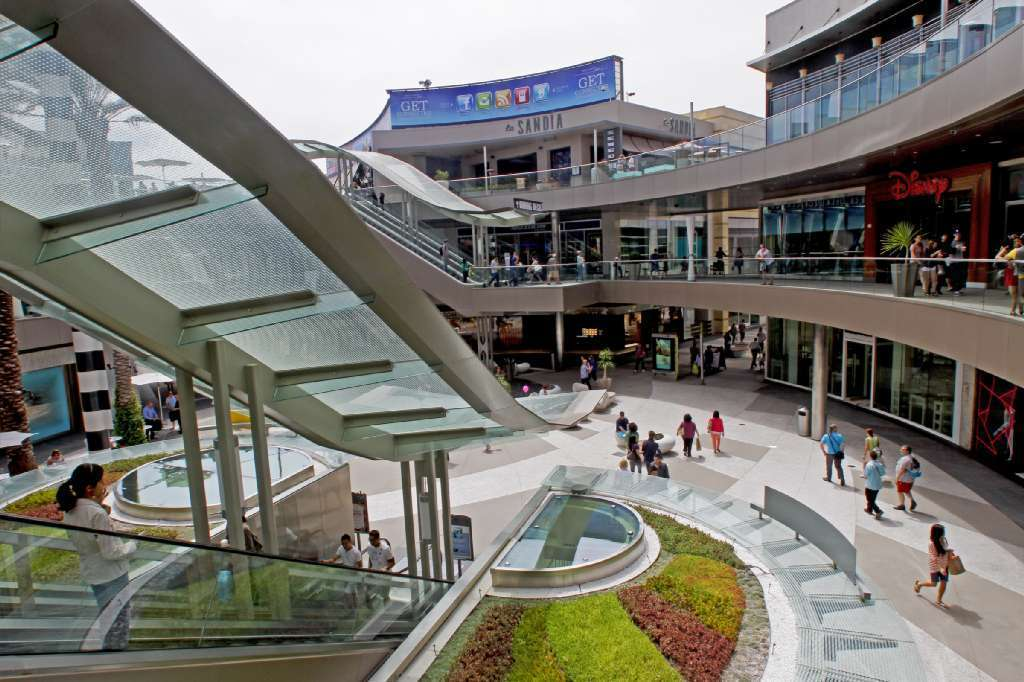 Some 2,000 student hackers will gather at the Santa Monica Place shopping center Friday for a 36-hour hackathon.